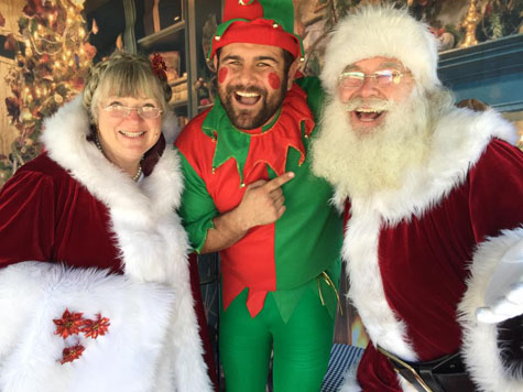 Mrs Claus and Santa Manhattan Beach 2