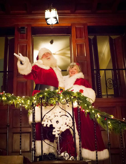 Mrs Claus and Santa at EBELL 4