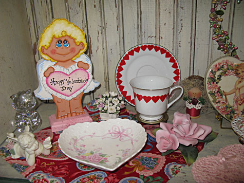 Mrs Claus decorates for Valentines Day