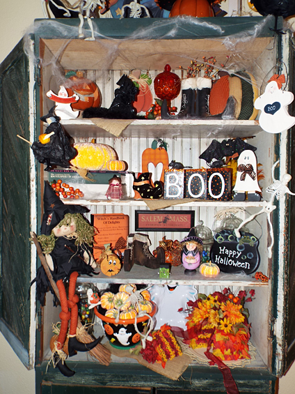 Halloween Decorating by Mrs Claus