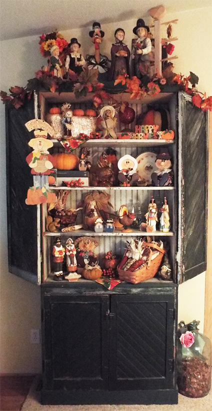 Thanksgiving Decorations - The Holiday Hutch