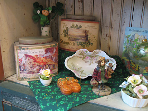 St. Patrick's Decorations - The Holiday Hutch