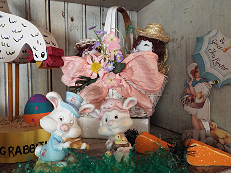 Easter Decorations - The Holiday Hutch